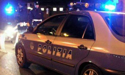 Scritta di 15 metri contro le forze dell'ordine: arrestati imbrattatori