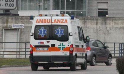 Auto contro ostacolo a Cisliano, tre feriti tra cui due ragazzine