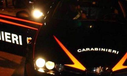Minaccia e aggredisce i carabinieri: arrestato ragazzo di 19 anni
