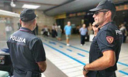 Rubano lo zaino a passeggeri: arrestati due ladri dalla polizia ferroviaria