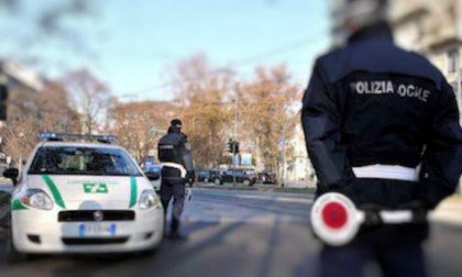 Sanzioni salate per due camionisti beccati dalla polizia locale