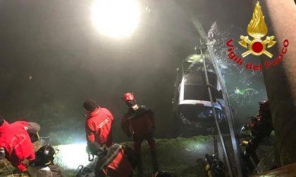 Auto finisce nel Naviglio lungo la ss 35, ferite tre ragazze FOTO