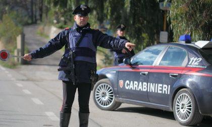 Nasconde droga in macchina e in casa: arrestato dai carabinieri