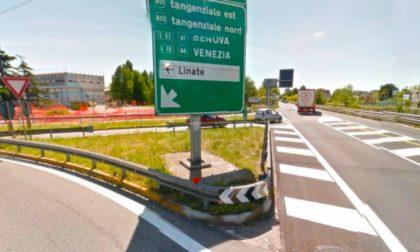 Incidente sulla Vecchia Vigevanese: tre feriti e traffico paralizzato