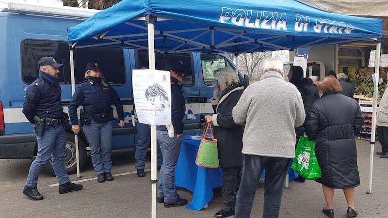 polizia camper contro violenza