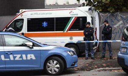 Donna trovata morta nel suo appartamento di via Lorenteggio: indagini in corso