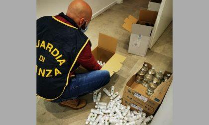 Gel disinfettanti venduti senza autorizzazione: maxi sequestro dei Finanzieri