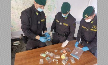 In casa aveva allestito un bazar di droghe sintetiche: arrestato
