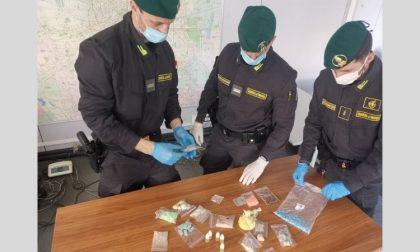 In casa un bazar di droghe sintetiche: arrestato FOTO