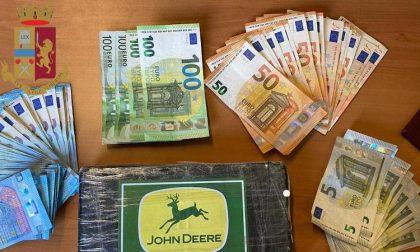 Nasconde cocaina nello zaino e aggredisce i poliziotti: arrestato spacciatore