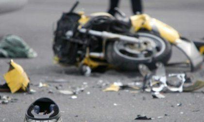 Scontro tra moto e furgone: 20enne in gravissime condizioni
