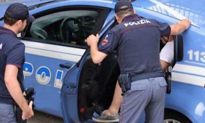 Controlli della polizia: arrestati due spacciatori