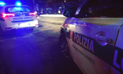 Tenta la fuga con moto rubata all'alt degli agenti: fermato