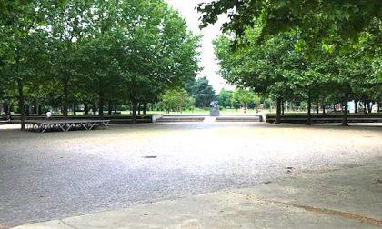 """""""Una messa con 500 persone al parco Pertini"""": l'annuncio del don solleva le polemiche"""