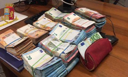 Coppia nasconde in casa 92mila euro e ne offre metà per corrompere i poliziotti