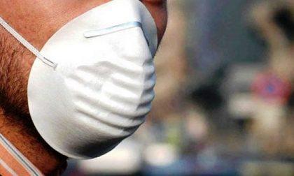 Nasconde la droga nella mascherina: beccato e arrestato dalla polizia
