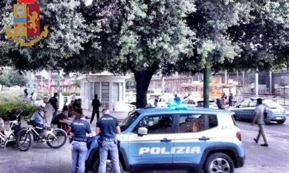 Controlli in piazza Bottini: identificate 41 persone e indagati due pusher