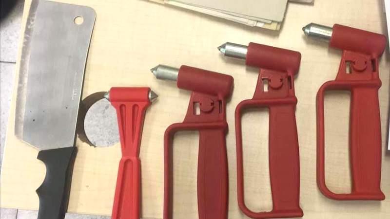 Martelletti coltelli macellaio cespugli