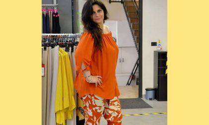 Modelle curvy diventano influencer (gratis) per rilanciare i negozi di quartiere