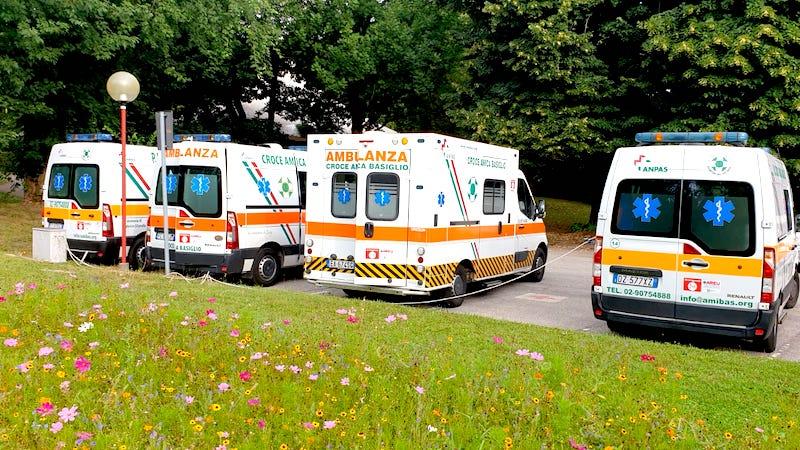 Danneggiate 3 ambulanze Basiglio