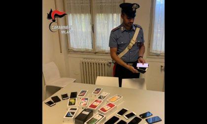 Furti di telefoni rivenduti online come nuovi: tre arresti