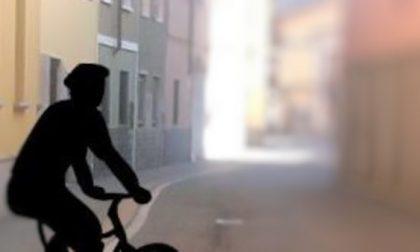 Rubano una bici e la mettono in vendita online: beccati dal proprietario