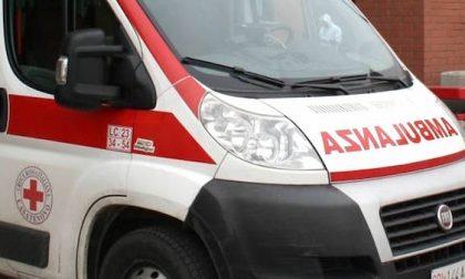 Travolta in monopattino da un furgone: 31enne in condizioni disperate