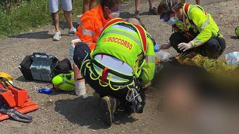 Caduta moto feriti uomo donna