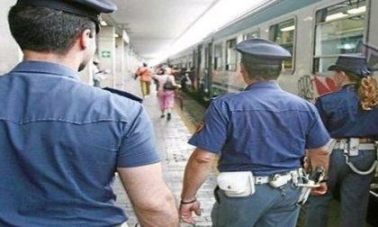 Giovani borseggiatrici alla stazione centrale tentano di derubare una turista
