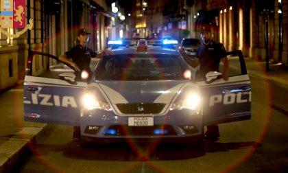In nove picchiano una coppia per rubare un telefono: arrestati dalla polizia
