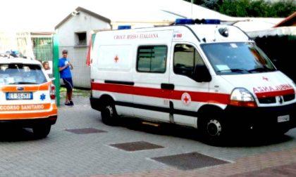 Terribile schianto tra furgone e moto: centauro morto sul colpo