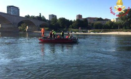 Si tuffa nel Ticino: 16enne trovato morto dopo due ore di ricerche FOTO