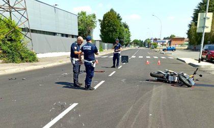 Incidente tra auto e moto in via Piemonte, atterra l'elisoccorso