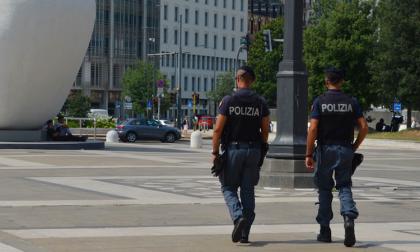 Controlli straordinari della polizia su cittadini irregolari e discoteche
