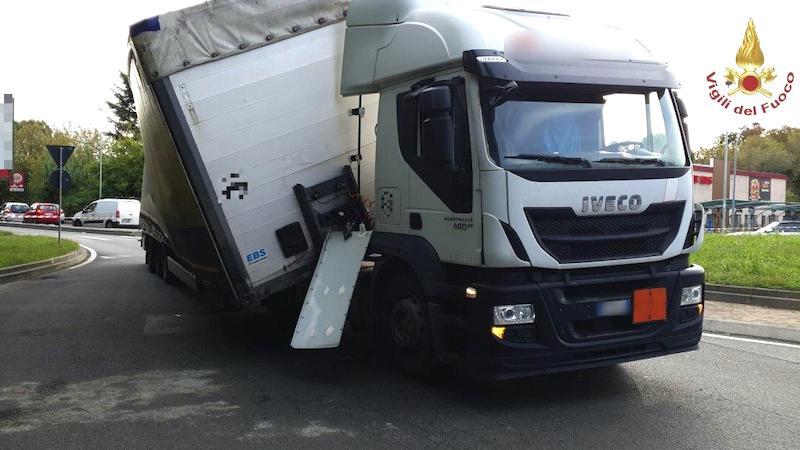 Camion sostanze tossiche Rozzano
