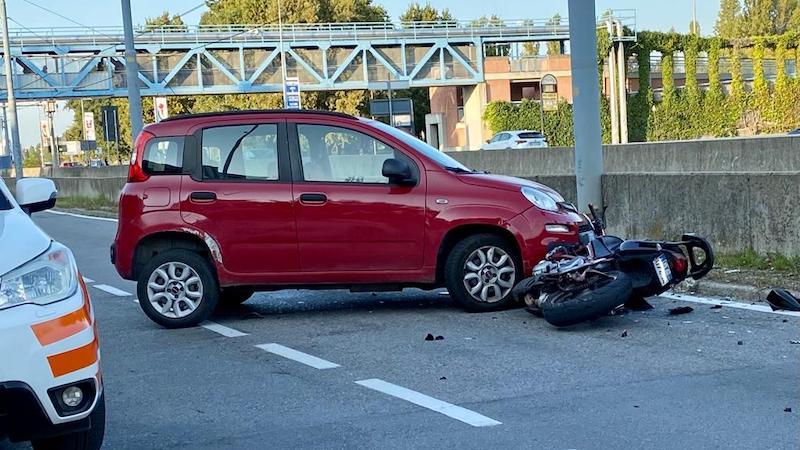 Incidente via Curiel motociclista