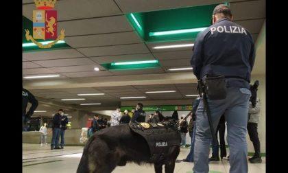 Controlli in metropolitana: arresti per spaccio e multe per chi non usa la mascherina