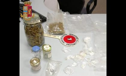 Un etto e mezzo di marijuana in casa: arrestata dalla polizia