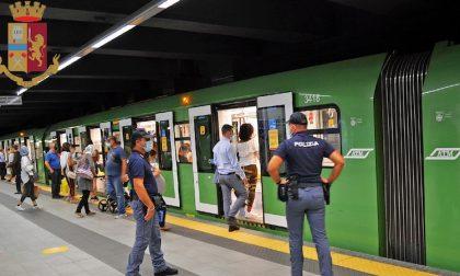 Droga e armi: bande di minorenni controllate in metropolitana