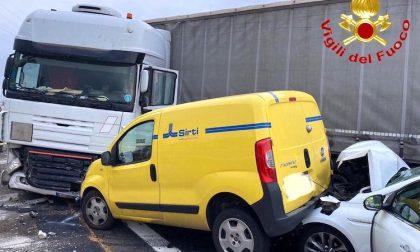 Grave incidente sull'autostrada A4: coinvolto un mezzo pesante