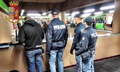 Controlli in zona Porta Genova: giovani fermati con coltelli e droga