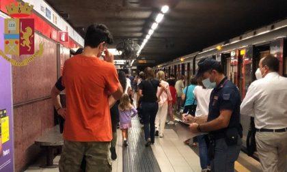 Controlli in metro, positivo al covid ignora la quarantena e gira sui mezzi pubblici