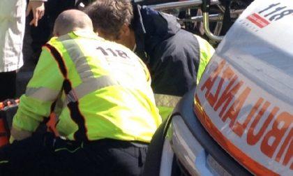 Caduta da moto: gravissimo un 54enne e traffico paralizzato