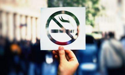 Divieto di fumo alle fermate, nei parchi, cimiteri e negli stadi: nuovo Regolamento a Milano