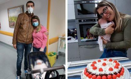 Positiva al covid, la mamma vede la sua bambina 19 giorni dopo il parto FOTO