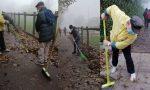 Cittadini attivi: ripulito dal Comitato di quartiere il vialetto pieno di foglie FOTO