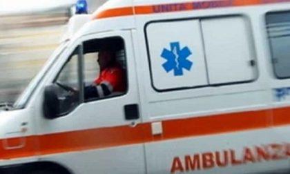 Incidente a Milano, ciclista di 23 anni investito: è in gravissime condizioni