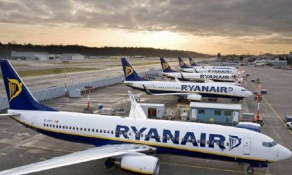 Ryanair, ancora tagli ai voli da e per Orio al Serio: più che dimezzati