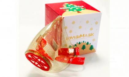 """Invisimask, la mascherina trasparente indossa un nuovo """"look"""" per le prossime feste di Natale"""