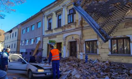 Un forte terremoto di magnitudo superiore a 6 ha colpito Petrinja in Croazia – FOTO